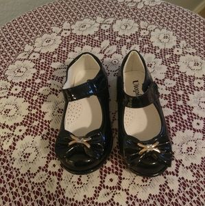 Utopia black shoes